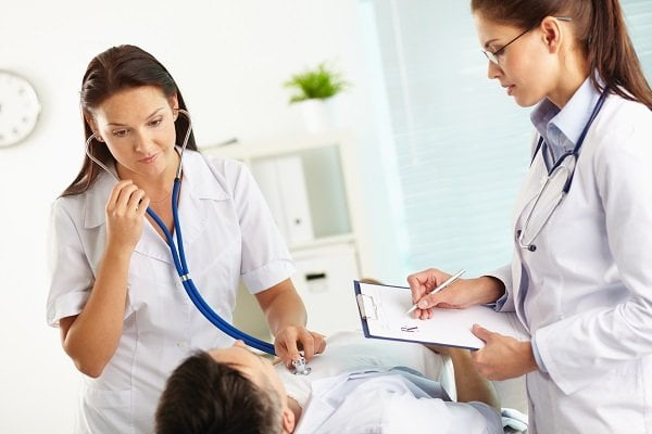 Điều kiện hưởng chế độ ốm đau 2020 và những trường hợp không được hưởng